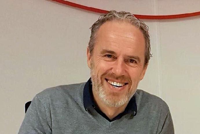 25ad08df HAR HAM PÅ BLOKKEN: – Petter Strand er utvilsomt en god spiller, og  fortsetter han utviklingen, så hadde det vært kjekt å se ham i den røde  drakten, ...