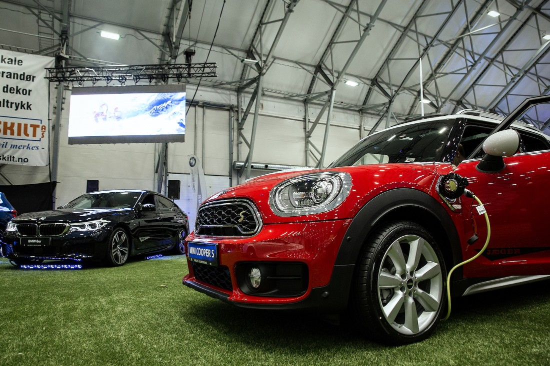 Mini Cooper S Countryman og BMW 6er - Jæger Sentrum