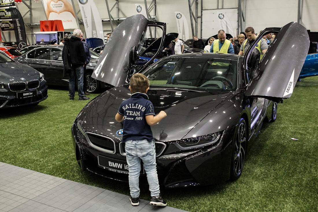 BMW i8 - Jæger Sentrum